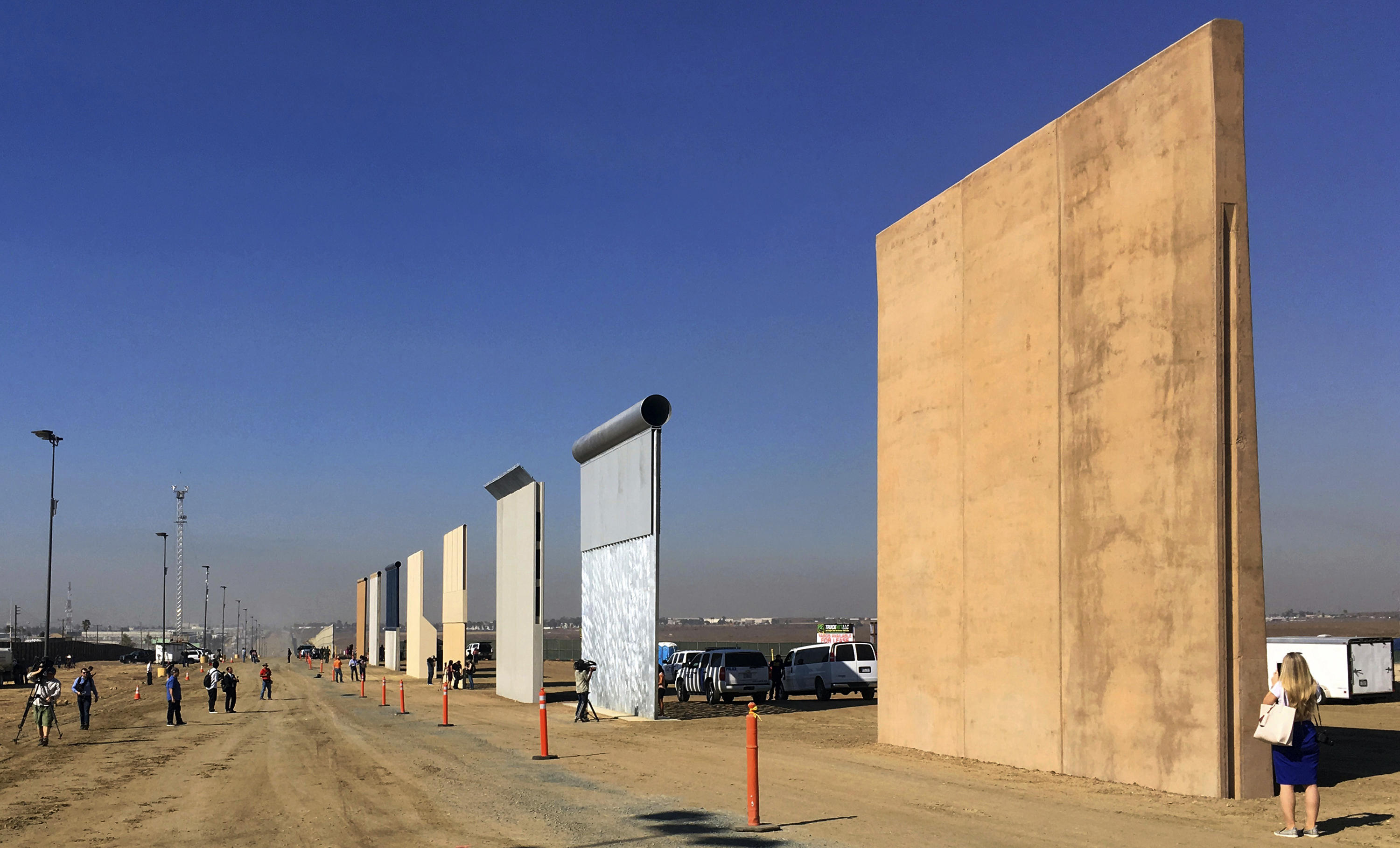 Why the US – Mexico wall shouldn't be built?