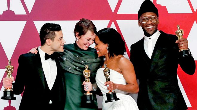 """Olivia Colman And """"Green Book"""" Surprise Winners At Oscars"""