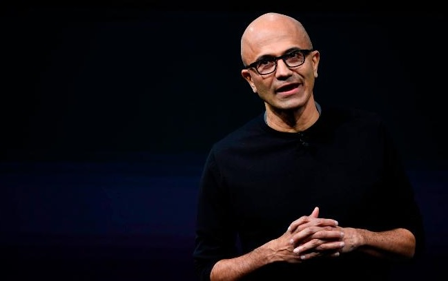 Microsoft Defends HoloLens Deal With Military